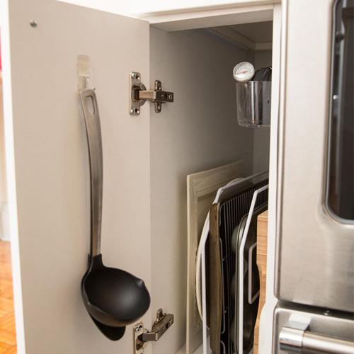 Haakje binnenkant keukenkast