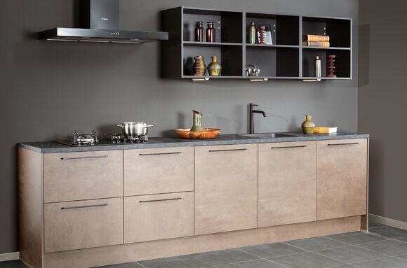Steinhaus Bagni keuken recht