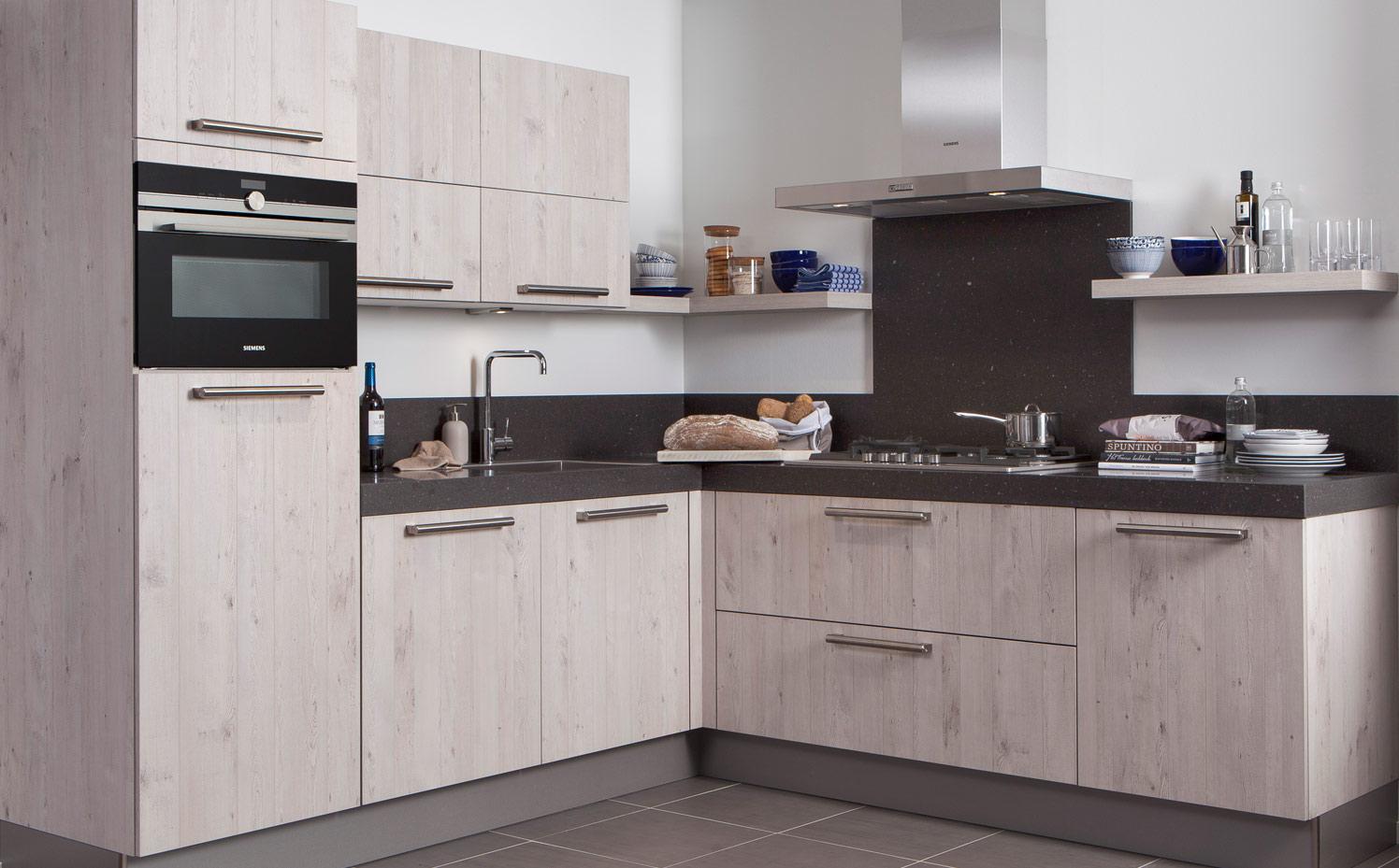 Keukens van topkwaliteit uit eigen fabriek keuken kampioen